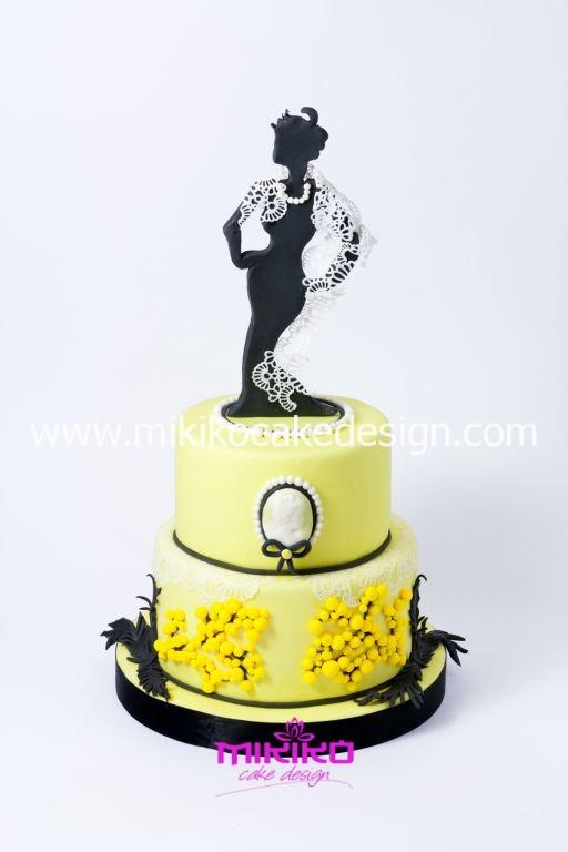 Per la festa della donna un torta con decorazioni in PDZ