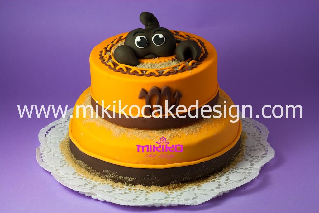 Immagine della torta di compleanno con raffigurante il segno zodiacale dello scorpione in PDZ
