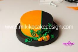 Torta pasta di zucchero per Halloween tuorial decorazioni passo passo (24)