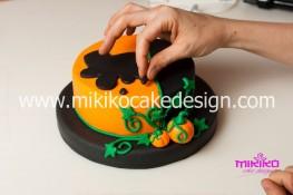 Torta pasta di zucchero per Halloween tuorial decorazioni passo passo (29)