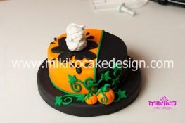 Torta pasta di zucchero per Halloween tuorial decorazioni passo passo (38)