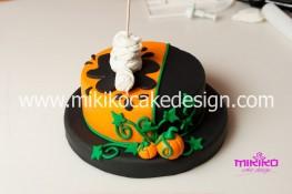 Torta pasta di zucchero per Halloween tuorial decorazioni passo passo (42)