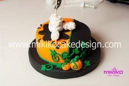 Torta pasta di zucchero per Halloween tuorial decorazioni passo passo (43)