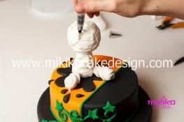 Torta pasta di zucchero per Halloween tuorial decorazioni passo passo (56)