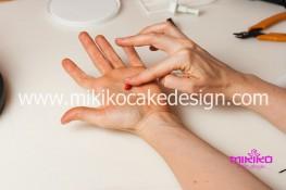 Torta pasta di zucchero per Halloween tuorial decorazioni passo passo (66)