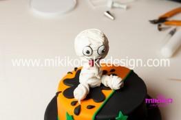 Torta pasta di zucchero per Halloween tuorial decorazioni passo passo (71)
