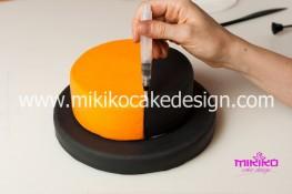Torta pasta di zucchero per Halloween tuorial decorazioni passo passo (9)