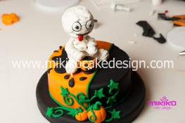 Torta pasta di zucchero per Halloween tuorial decorazioni passo passo (94)