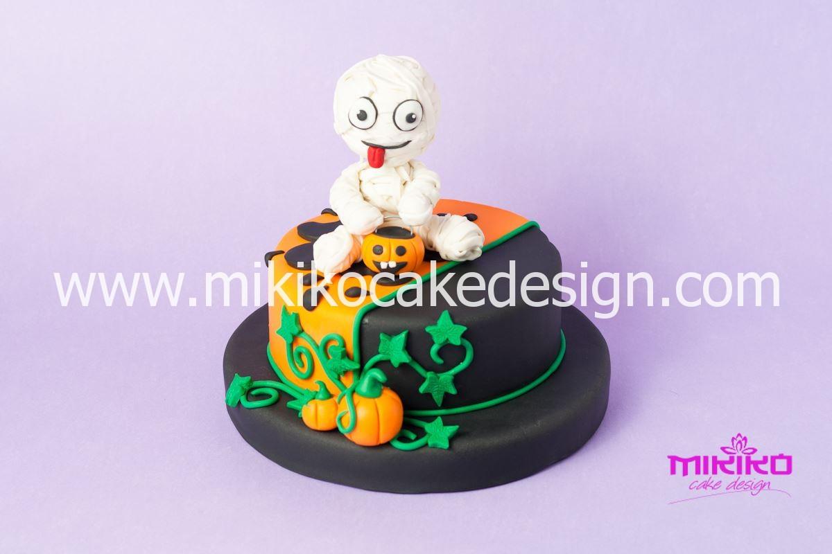 Immagine della Torta in pasta di zucchero per Halloween tuorial decorazioni passo passo