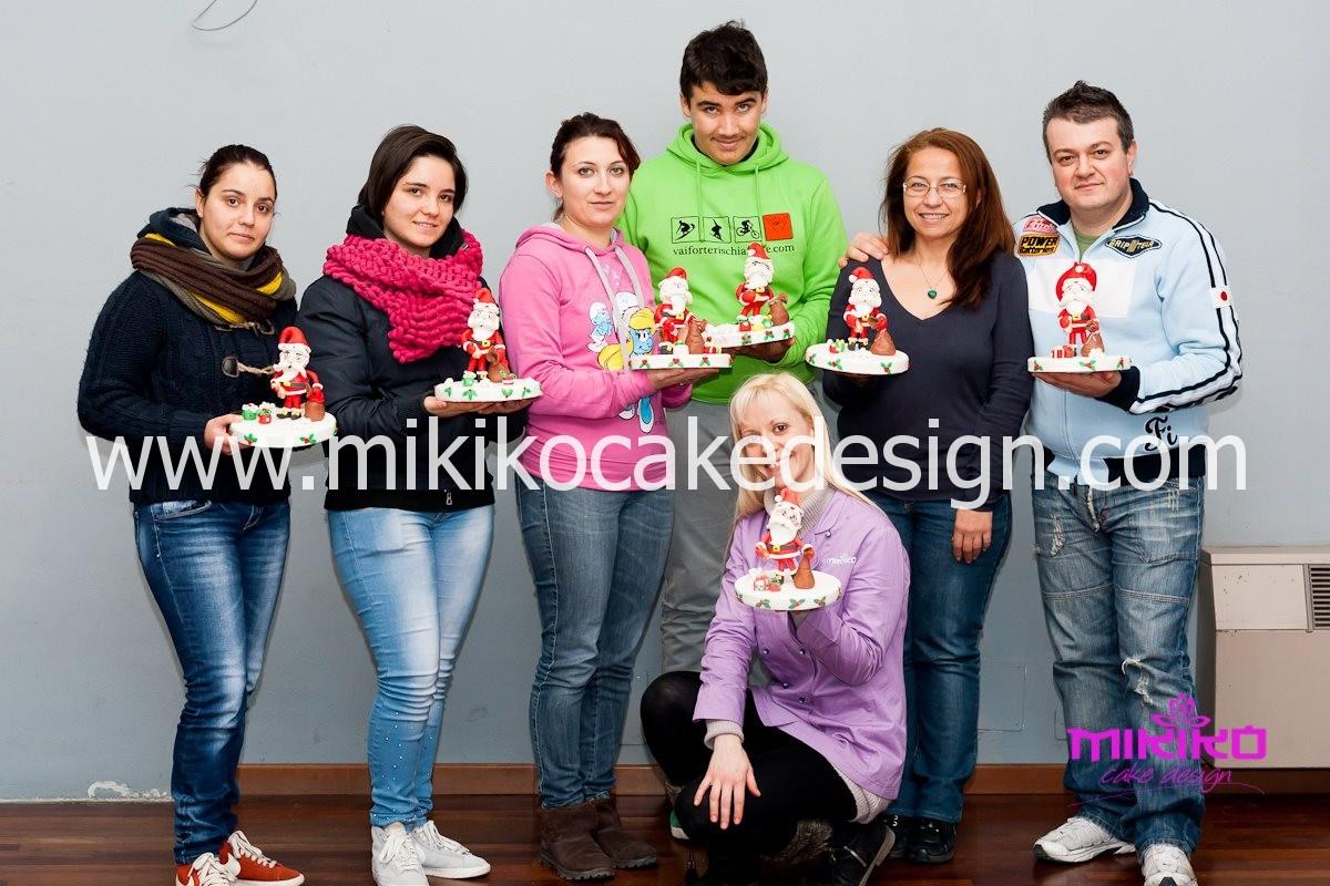 Foto di gruppo del corso di Cake Design del 12 dicembre 2013
