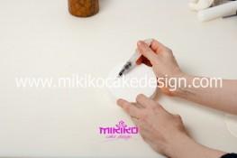 Piccolo panettone decorato con pasta di zucchero - Idee per Natale-03