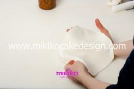 Piccolo panettone decorato con pasta di zucchero - Idee per Natale-04