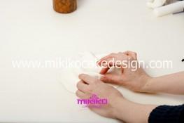 Piccolo panettone decorato con pasta di zucchero - Idee per Natale-05