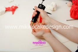 Piccolo panettone decorato con pasta di zucchero - Idee per Natale-14