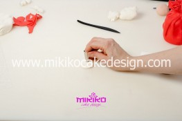 Piccolo panettone decorato con pasta di zucchero - Idee per Natale-17