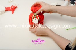 Piccolo panettone decorato con pasta di zucchero - Idee per Natale-20