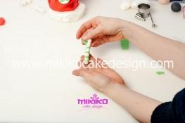 Piccolo panettone decorato con pasta di zucchero - Idee per Natale-28