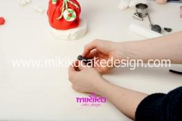 Piccolo panettone decorato con pasta di zucchero - Idee per Natale-31