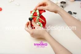 Piccolo panettone decorato con pasta di zucchero - Idee per Natale-33