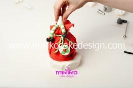 Piccolo panettone decorato con pasta di zucchero - Idee per Natale-36