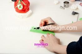 Piccolo panettone decorato con pasta di zucchero - Idee per Natale-37