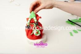 Piccolo panettone decorato con pasta di zucchero - Idee per Natale-38