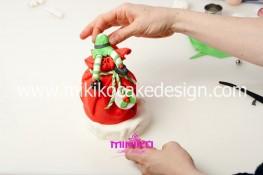 Piccolo panettone decorato con pasta di zucchero - Idee per Natale-40