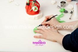 Piccolo panettone decorato con pasta di zucchero - Idee per Natale-41
