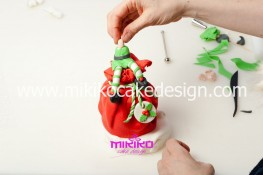 Piccolo panettone decorato con pasta di zucchero - Idee per Natale-43