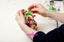 Piccolo panettone decorato con pasta di zucchero - Idee per Natale-44