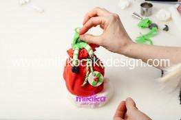 Piccolo panettone decorato con pasta di zucchero - Idee per Natale-45
