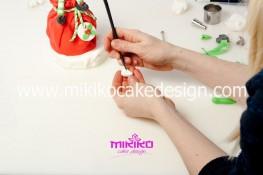 Piccolo panettone decorato con pasta di zucchero - Idee per Natale-49
