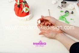 Piccolo panettone decorato con pasta di zucchero - Idee per Natale-50