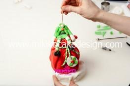 Piccolo panettone decorato con pasta di zucchero - Idee per Natale-54