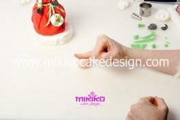 Piccolo panettone decorato con pasta di zucchero - Idee per Natale-56