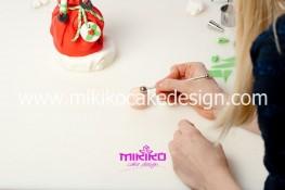 Piccolo panettone decorato con pasta di zucchero - Idee per Natale-57