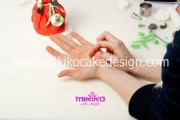 Piccolo panettone decorato con pasta di zucchero - Idee per Natale-58