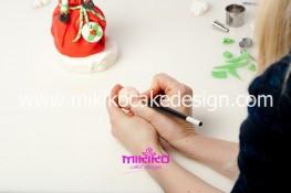 Piccolo panettone decorato con pasta di zucchero - Idee per Natale-60