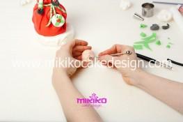 Piccolo panettone decorato con pasta di zucchero - Idee per Natale-61