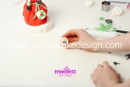 Piccolo panettone decorato con pasta di zucchero - Idee per Natale-65