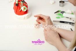 Piccolo panettone decorato con pasta di zucchero - Idee per Natale-68
