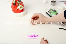 Piccolo panettone decorato con pasta di zucchero - Idee per Natale-70