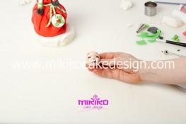 Piccolo panettone decorato con pasta di zucchero - Idee per Natale-72