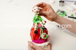 Piccolo panettone decorato con pasta di zucchero - Idee per Natale-73